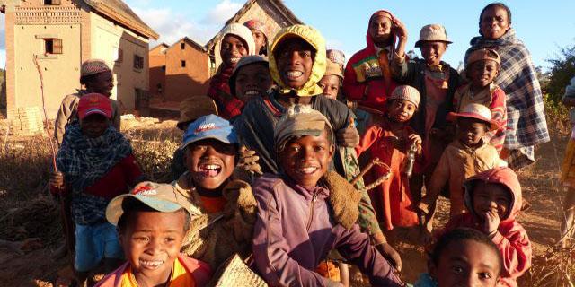 Rencontres et traditions malgaches.