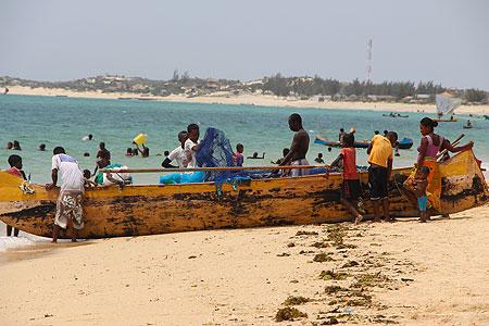 Une barque sur une plage de Madagascar.